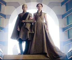 Game Of Thrones - TV Série - books (livros) - A Song of Ice and Fire (As Crônicas de Gelo e Fogo) - House Stark - family (família) - dress (vestido) - red hair (cabelo ruivo) - king (rei) - princess (princesa) - Sansa Stark (Sophie Turner) - Joffrey Baratheon (Jack Gleeson)