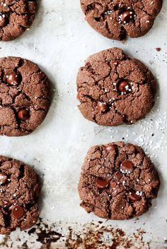 Delicious brownie-like flourless chocolate almond butter cookies made with a handful of simple, healthy ingredients. They only take 15 minutes to whip up!