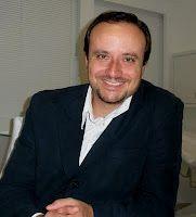 Dr. Eduardo Arnaut, cirurgião plástico  membro titular da Sociedade Brasileira de Cirurgia Plástica