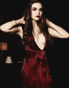 Holland Roden. Love the colouring of her hair and the make up colouring as well.