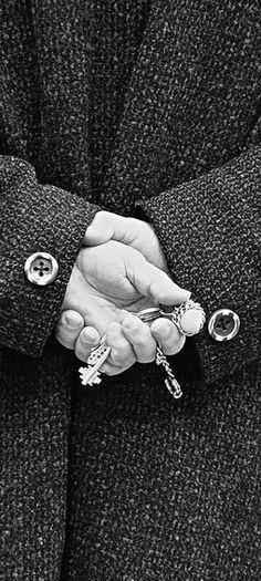 Lähisuhdeväkivallassa on kaava. Onko tarinan pakko mennä näin?  Lue ja jaa: http://janholmberg.weebly.com/lue-mainio-blogia/sairas-parisuhde-ja-vakivallan-kaava