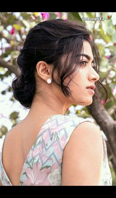 Rashmika Mandanna Latest HD Photos from photoshoot. Beautiful Girl Indian, Most Beautiful Indian Actress, Naga Shourya, Funny Conversations, Galaxy Pictures, Kannada Movies, Photoshoot Pics, Actor Photo, South Actress