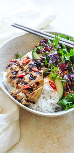 Vietnamese Lemongrass Chicken Noodle Bowl | Asian Noodle Bowl | eatlittlebird.com