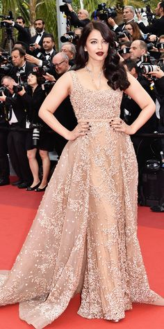 The Best Looks from the 2016 Cannes Film Festival Red Carpet - Aishwarya Rai - f. - Celebrity Style Week: Celebrity Style Fashion and Latest Trends Elegant Dresses, Nice Dresses, Bridal Dresses, Prom Dresses, Festival Looks, Festival 2016, Red Carpet Dresses, Indian Designer Wear, Cannes Film Festival