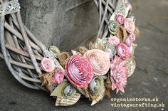 Paper flower wreath Paper Flower Wreaths, Paper Flowers, Vintage Crafts, Charmed, Bracelets, Inspiration, Jewelry, Crafting, Scrapbooking