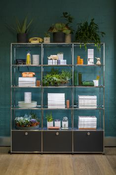 Houzz - Modular system: USM Furniture System Haller - Milan Furniture Show Milan Furniture, Smart Furniture, Modular Furniture, Furniture Design, Modular Shelving, Modular Storage, Shelving Systems, Workspace Inspiration, Interior Design Inspiration