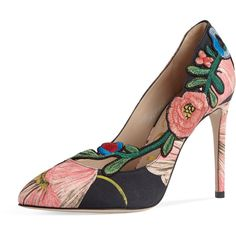 Gucci Ophelia Embroidered 105mm Pump (14.010 ARS) ❤ liked on Polyvore featuring shoes, pumps, slip-on shoes, floral slip on shoes, pointed toe shoes, floral pattern pumps and pointy-toe pumps