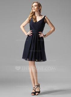 A-Line/Princess V-neck Knee-Length Chiffon Bridesmaid Dress With Ruffle (007004438)