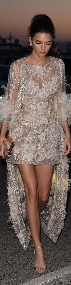 Kendall Jenner in Elie Saab, Cannes 2016 Elie Saab, Kardashian, Dress Vestidos, Glamour, Kendall And Kylie Jenner, New Nike Air, Fashion Moda, Beautiful Gowns, Dress To Impress