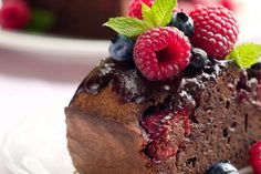 Gooey Chocolate Raspberry Cake (Sugar-Free)