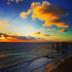 12 Apostles Great Ocean Road Victoria Australia.  #12apostles #victoria #australia #seeaustralia #visitvictoria #sunsetlovers #sunsetphotography #amazingplace #worlderlust #worldexploremag #SoulTravelers #welivetoexplore #wanderlust #wanderer #traveling #wildernessculture #intothewild #backpacking #amazingnature #naturewonders #travelgram #travelforlife #TravelingPost #explorevictoria #travelforlife #traveladdict #earthfocus #greatoceanroad #awesomeglobe #discoverearth by wonderlandwanderer