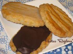 """Una pasada!!! Las recomiendo encarecidamente.  Tomé esta receta del blog """"i-recetas, Se me va la olla"""". Prometía cuando decía que recordab... Mexican Sweet Breads, Instant Cooker, Mantecaditos, Kinds Of Cookies, Sweet Cookies, Crazy Cakes, Finger Foods, Sweet Recipes, Bakery"""