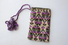 Bolsa con bordado Mazahua color gris con morado