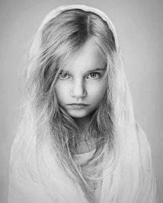Black and White Child Photo Contest 2015 – Les plus belles photos dédiées à l'enfance (image)