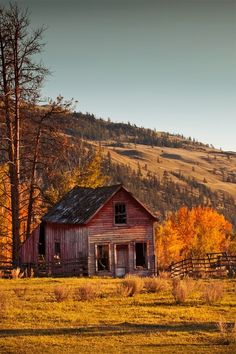 I Love The Mystery Of Old Barns...Click On Picture To See A Really Great Blog Full Of Great Country Type Photos...