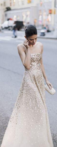 WOW pretty champagne color--Oscar de la Renta