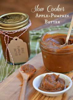 Center Stage: Slow Cooker Apple-Pumpkin Butter with Mountain Mama Cooks Pumkin Recipes, Apple Recipes, Fall Recipes, Holiday Recipes, Holiday Desserts, Holiday Ideas, Christmas Ideas, Christmas Gifts, Slow Cooker Apples