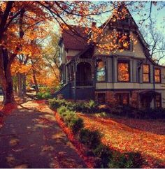 Victorian in autumn. I've always been a sucker for Victorian homes Beautiful Homes, Beautiful Places, Antebellum Homes, Autumn Aesthetic, Autumn Home, Autumn Fall, Autumn Leaves, Hello Autumn, Victorian Homes