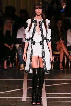 ジバンシー春2015既製服ファッションショー:コンプリートコレクション - Style.com