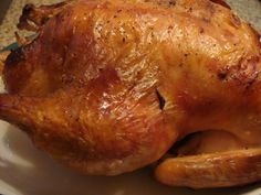The Barefoot Contessa's Lemon and Garlic Roast Chicken - Roasted Chicken Garlic Chicken, Roasted Chicken, Food Network Recipes, Cooking Recipes, Meal Recipes, Crockpot Recipes, Roast Chicken Recipes, Chicken And Vegetables, Veggies