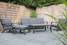 Stoere maar chique loungeset! Bezano aluminium loungeset Lesli Living #loungeset #loungen #tuinmeubelen #ibizastijl