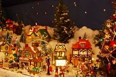 Christmas Villages Buying Guide ~ an eBay Guide