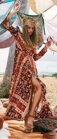 Boho Long Sleeve Floral Maxi Split Dress. Women fashion. Summer dress. Beach fashion. Bohem style. Bohemian dress, boho dress. Boho fashion. Bohemian style. Gypsy style. #boho #bohemian #gypsy #bohoclothing #bohemianclothing #affiliate #vintage #bohochic #bohostyle #hippiestyle #hippie #bohemiandress #bohodress #summerdress #dress