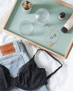 [Parisian Allure] fra Chantelle er en lekker 4-parts bh som løfter, former og runder bysten. Fast vare i vårt sortement💕 #fashion #levis #wedige #chantelle #chantellecollection #bergen #lingerielook #lingerie #undertøy Lingerie Look, Parisian