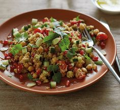 Low carb chickpea salad with Moroccan spices - Healthy Food Guide