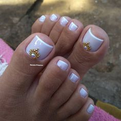 Nail art Christmas - the festive spirit on the nails. Over 70 creative ideas and tutorials - My Nails Pedicure Designs, Pedicure Nail Art, Toe Nail Designs, Manicure And Pedicure, Pretty Toe Nails, Cute Toe Nails, Pretty Toes, Toe Nail Color, Toe Nail Art