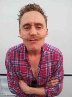 Its Hiddleston again-- Loki'd!!!