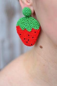 Diy Earrings Dangle, Girls Earrings, Earrings Handmade, Diamond Earrings, Embroidery Jewelry, Beaded Embroidery, Fabric Jewelry, Beaded Jewelry, Beading Projects