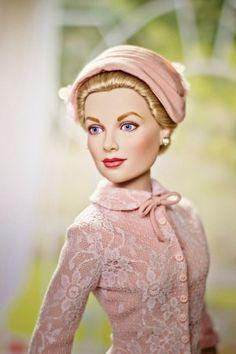 Grace Kelly Franklin Mint doll  ( costume for Civil Wedding )