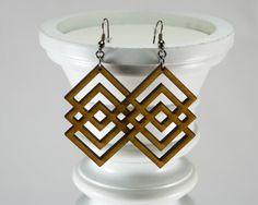Geometric Wooden Earrings Interlocking Diamond par JDBmercantile