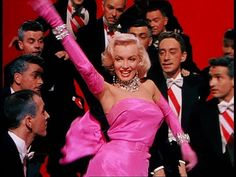 Diamonds are a girls best friend - Marilyn Monroe Marylin Monroe, Marilyn Monroe Diamonds, Fotos Marilyn Monroe, Marilyn Monroe Movies, Gentlemen Prefer Blondes, Patatas Foster Hollywood, Grace Kelly, Classic Hollywood, Old Hollywood