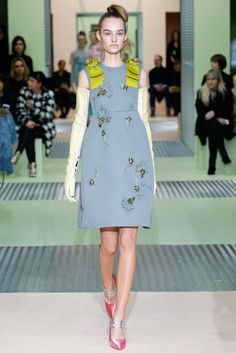 Prada Fall 2015 Ready-to-Wear - Collection - Gallery - Style.com http://www.style.com/slideshows/fashion-shows/fall-2015-ready-to-wear/prada/collection/36