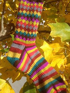 The pattern on this cuff reminds me of Fruit Stripe Gum!  Rellana Palermo yarn would be nice.