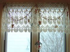 Scandinavian Christmas Garland by Zayabibu, via Flickr