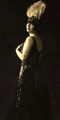 Lovely 1920s Vaudeville Dancer