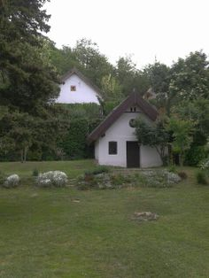 Hungary Szigliget Beautiful house for rent. Renting A House, Hungary, Beautiful Homes, Castle, Cabin, World, House Styles, Places, Travel