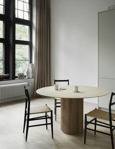 Peek Inside the Sophisticated and Stylish Home of Swedish PR Maven Hans Hjelmqvist - Nordic Design Room Inspiration, Interior Inspiration, Decor Scandinavian, Beautiful Dining Rooms, Nordic Design, Home Interior, Interiores Design, New Homes, Dining Table