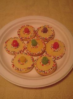 Mom (@Ann Rowe) made these for the Derby de Mayo party at my place.  SO CUTE!  Ole!