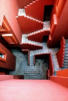 La Muralla Roja is a housing project located in the area of Calpe in the Alicante region in Spain on a steep costal landscape. Designed by architect Ricardo Bofill and his Taller de Arquitectura, the project was built in Architecture Design, Amazing Architecture, Minecraft Architecture, Beautiful Buildings, Beautiful Places, Amazing Places, Escalier Design, Stair Steps, Red Walls