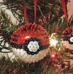 Sequined Poke Ball Ornament | DIY ball ornaments plus sequins and Pokemon equals the coolest DIY Christmas ornament ever.