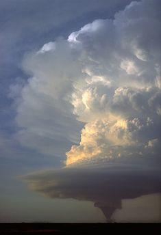A stunning tornado!