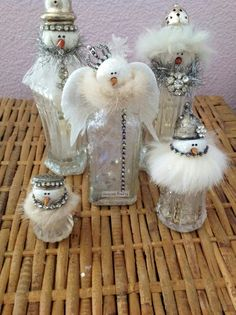 Cheap and Easy Dollar Store Christmas Table Decorations - Snowman Salt & Pepper Shakers Snowman Angels Snow Fairy made from old salt pepper shakers old bottles Fun Christmas, Diy Christmas Decorations, Dollar Store Christmas, Christmas Nativity Scene, Diy Christmas Ornaments, Christmas Projects, Vintage Christmas, Glass Ornaments, Snowman Crafts