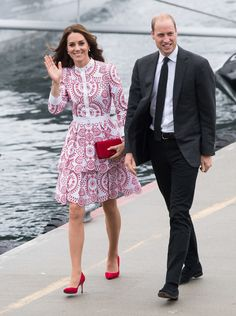 The 10 Most Expensive Things Kate Middleton Wore in 2016 Kate Middleton 2016, Kate Middleton Dress, Kate Middleton Prince William, Kate Middleton Style, Alexander Mcqueen Dresses, Royal Fashion, Nice Dresses, Beautiful Dresses, What To Wear