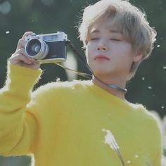 Lucky Colour, Iconic Photos, Rock Bottom, Jimin Jungkook, Cute Icons, Asian Boys, Jinyoung, K Idols, Korean Singer