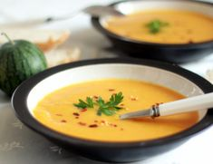 One of my all time favorites - Thai Spiced Pumpkin Soup Spiced Pumpkin Soup, Food And Thought, Soup Recipes, Vegetarian Recipes, Fall Recipes, Pasta, Nutella, Stew, Nom Nom