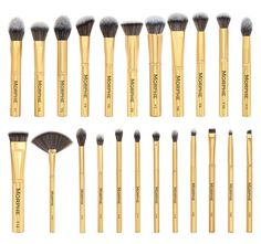 SET 901 - THE GILDED SET (Mostly just want the highlight brushes, buffers, and eye brushes not the powder brushes )